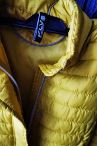 Żółta kurtka...