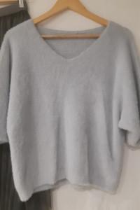 Włoski sweter alpaka w kolorze szarym