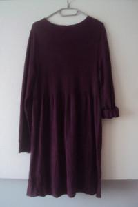 śliwkowa dzianinowa sukienka