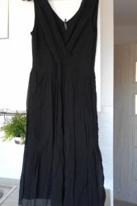 Inwear jedwabna czarna sukienka minimalizm