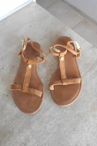 Tommy Hilfiger skórzane sandały skora bezowe nude
