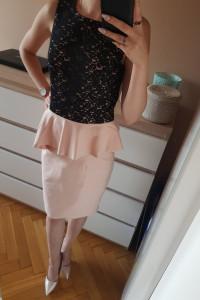 koronkowa sukienka z baskinką...