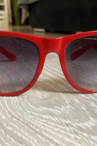 Czerwone okulary