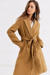 Beżowy klasyczny płaszcz Bershka