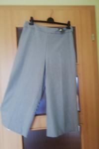 spodnie w łydke...
