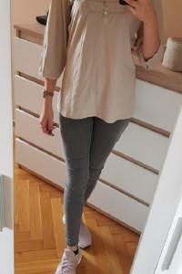 beżowa bluzka