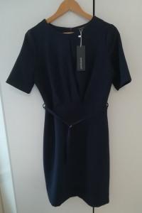 Nowa firmowa granatowa sukienka z kopertowym dekloltem