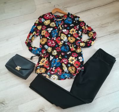 Koszule Nowa czarna koszula w kolorowe kwiaty na jesień