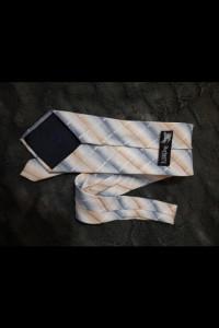 Krawat Burberry...