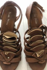 CCC Brązowe sandały damskie obcas 37 buty na lato skórka karmel...