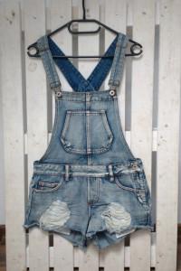 Jeansowe ogrodniczki Cropp