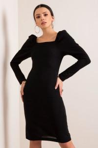 Czarna sukienka z efektownym dekoltem S M L