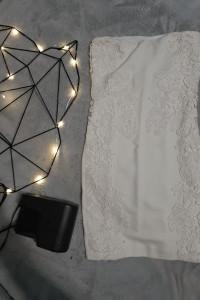 Koronkowa biała sukienka tuba...