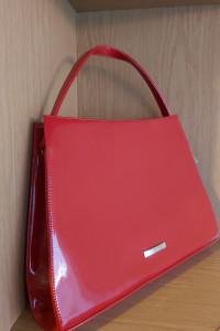 Czerwona elegancka torebka do ręki