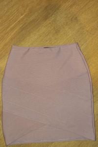 Krótka spódnica kopertowa przekładana