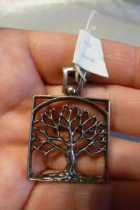 zawieszka nowa srebro drzewko