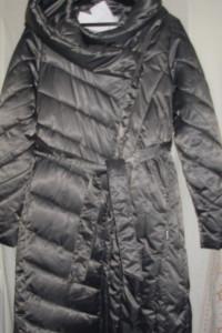 Szarosrebrny pikowany płaszcz 36 większy