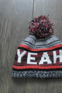 Ciepła czapka z pomponem 3 4 latka