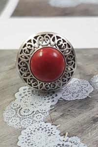Czerwony koralik