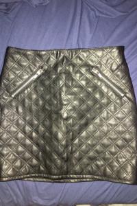 H&M spodniczka skoropodobna...