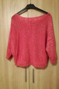 Śliczny sweterek...
