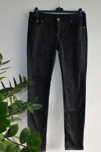 Spodnie czarne r 42...