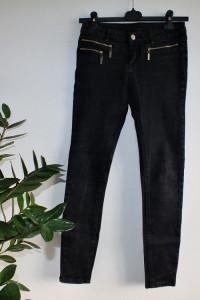 Czarne jeansy z suwakami r 36 38...