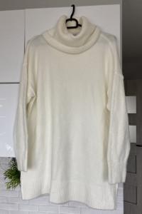 Mango duży sweter oversize kremowy z golfem