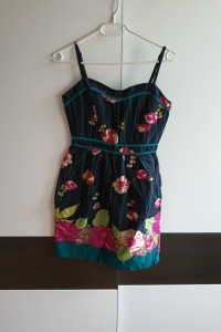 Letnia kwiecista sukienka xS...
