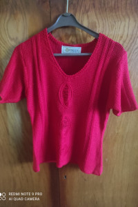 Czerwona szydełkowa bluzka...