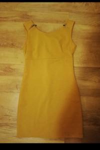 Musztardowa sukienka...