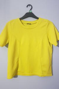 Żółta tłoczona bluzeczka