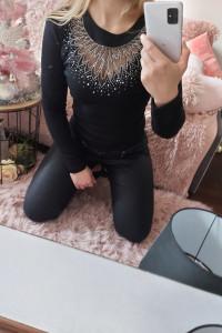 Czarna bluzka cyrkonie