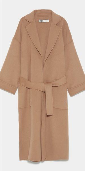 Odzież wierzchnia Nowy beżowy płaszcz z Zary