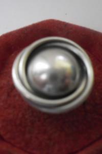 Srebrny pierścionek opleciona kopułka cz kompletu