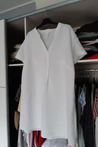 H&M Sukienka biała z dekoltem w serek z lnem...