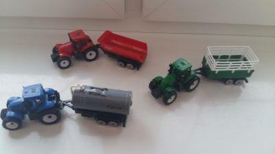 Zabawki Trzy traktorki