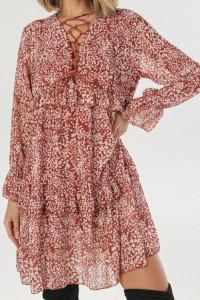 Karmelowa sukienkaw listki