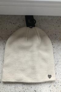 Nowa czapka biała kremowa