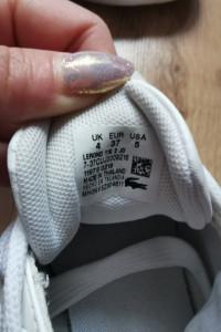 Białe buty lacoste