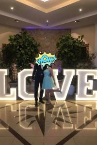 Miętowa sukienka na wesele
