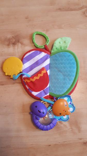 Zabawki Zawieszka do wózka jabłko Fisher Price