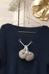 Włoski sweter z pomponami wyprzedaż kolekcji...