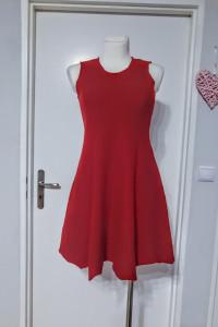 Wełniana czerwona sukienka