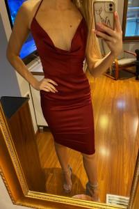 Bordowa zwiewna sukienka...
