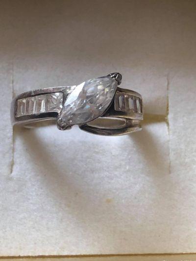 Pierścionki Śliczny pierścionek z cyrkoniami 925