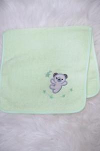 Ręcznik z haftem bawełna neonowa zieleń