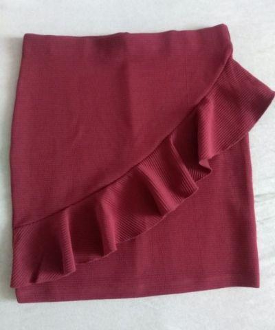 Spódnice Bordowa spódniczka z falbanką
