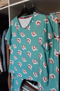 Loungeable Zielona piżama ze słonecznym Mikołajem Asos