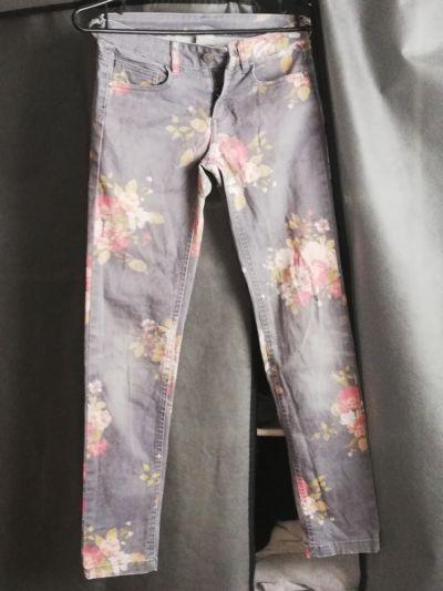 Spodnie i spodenki Spodnie Zara rozmiar 140